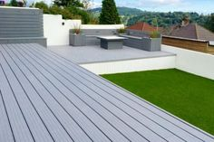 Composite Decking is made by the combination of wood and recycled particles. It is Eco-friendly and more durable than the other deck material. Back Garden Design, Modern Garden Design, Backyard Garden Design, Contemporary Garden, Garden Landscape Design, Deck Design, Backyard Patio, Wpc Decking, Composite Decking