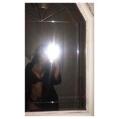 Live bilder - New Ideas Foto Mirror, Mirror Pic, Snapchat Girls, Snapchat Picture, Selfie Sexy, Selfie Poses, Girl Photo Poses, Girl Photos, Crying Girl