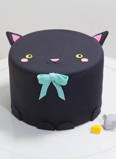 Kitty the Cat Cake | Whipped Bakeshop