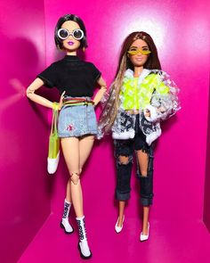 Barbie Summer, Pink Barbie, Diy Dollhouse, Dollhouse Furniture, Doll Outfits, Fashion Outfits, Made To Move Barbie, Cool Fire, Beautiful Barbie Dolls