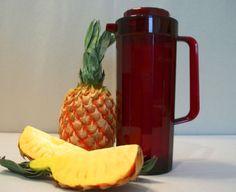 Tupperware CRANBERRY RED 2 L Perludio acrylic Beverage Pitcher 8 1/2 cups ~#2003 #Tupperware