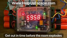 Try and rob the casino owner in the exciting 360 and 3-D online Live Hosted Escape Room