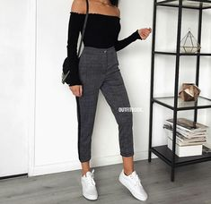 Autumn outfits Trendy outfits ideas for Winter style outfits Women Fashion Winter Outfits Fall Style Fashion Outfits Look Fashion, Teen Fashion, Fashion Outfits, Womens Fashion, Fashion Trends, Fashion News, Feminine Fashion, Fashion Mode, Fashion 2018