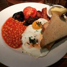 Mmmmmm #hectors #breakfast #saturday #weekend #foodie #instafood #foodporn #foodstagram #haggis #sausage #fat #tasty #foodheaven #stockbridgeedinburgh #stockbridge #edinburgh #scotland
