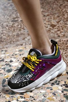 Curious to see the best sneakers from the Fall 2018 runways? We've got you covered. Versace Sneakers, Dad Sneakers, Chunky Sneakers, Best Sneakers, Italian Fashion, Fashion Boots, Mom Fashion, Lifestyle Fashion, Shoes
