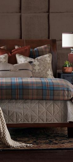 Cabin Luxury Collection: This hand-tacked comforter is crafted from a brushed wool fabric in a traditional classic plaid pattern. Rustic Quilts, Rustic Bedding, Houndstooth Fabric, Wool Fabric, Southwestern Bedding, Western Bedding Sets, Classic Bedding, Luxury Cabin, Luxury Bedding Collections