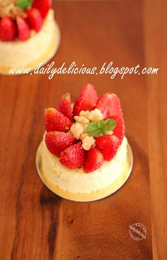 dailydelicious thai: Symphonie: Strawberry and cheese mousse, Refreshing Entremets from PH10