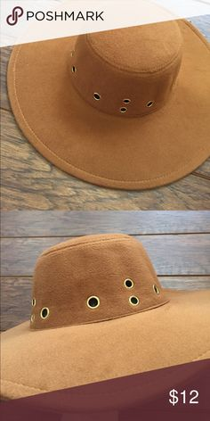 Floppy Hat NWT floppy hat in brown. Hot new item, just in time for sun. Rue 21 Accessories Hats