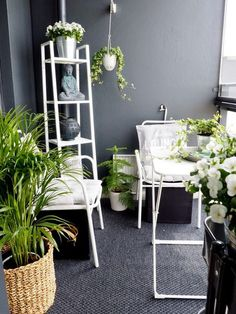 Pieniä Unelmia - Elämän Murusia: sisustaminen Outdoor Spaces, Outdoor Living, Outdoor Decor, Small Space Living, Living Spaces, Condo Balcony, Condo Living, Garden Styles, Ladder Decor