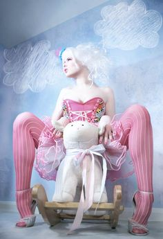 The-Girl-Tripped-Burlesque-Pin-Ups-8