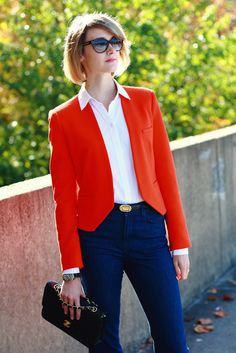 Cropped blazer & high-waisted jeans