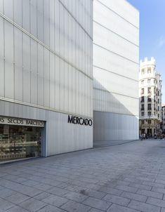 Nieto Sobejano Arquitectos, Roland Halbe, Marcela Grassi · Barceló Market, Library and Sports Hall