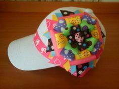 gorras decoradas con cinta - Buscar con Google Headband Crafts, Headbands, Hair Barrettes, Hair Clips, Girl Hair Bows, Little Girl Hairstyles, Headgear, Caps Hats, Little Girls