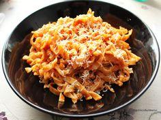 Ugolinon Seikkailut: MIFU ALL'ARRABBIATA TUOREPASTALLA Macaroni And Cheese, Pasta, Ethnic Recipes, Food, Mac Cheese, Mac And Cheese, Hoods, Meals, Noodles