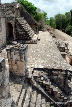 Ek Balam Mayan ruins located near the colonial city of Valladolid in Yucatan, Mexico. such a great experience from my vaca Aztec Ruins, Mayan Ruins, Ancient Ruins, Ancient Greek, Tikal, Machu Picchu, Mayan History, Ancient History, Places Around The World