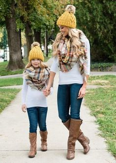 Mother Daughter Matching Outfits, Mother Daughter Fashion, Mommy And Me Outfits, Little Girl Outfits, Mother And Daughter Clothes, Modest Outfits, Fashion Mode, Girl Fashion, Fashion Outfits