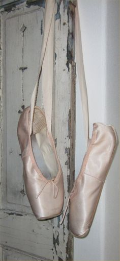 Vintage Inspired Bedroom, Body Movement, Pointe Shoes, Ballerina, Shabby, Ballet, Dance, Photography, Life