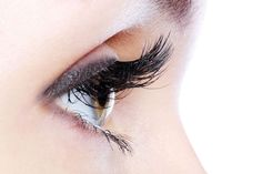 This is a safe DIY to grow longer lashes. Very good for those thin and short lashes. Ladies with diminishing lashes here's your heaven sent solution. How To Grow Eyelashes, Longer Eyelashes, Fake Lashes, Long Lashes, False Eyelashes, Natural Eyelashes, Thick Eyelashes, Fake Lips, Artificial Eyelashes