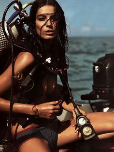 Daria Werbowy photographed by Mikael Jansson and styled by Karl Templer Originally published in Vogue Paris (May as Sexy Plongeant… Scuba Diving Equipment, Scuba Diving Gear, Sea Diving, Scuba Diving Quotes, Vogue Paris, Daria Werbowy, Scuba Girl, Templer, Senior Photos