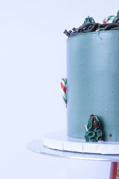 Instagram- @whippedbyhelen💚 #christmascakes