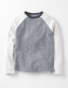 Mini Boden Raglan T-shirt Grey Marl/Oatmeal Marl Boys Whether youre scoffing popcorn at the cinema or pedalling your bike through the park, you always need a cosy T-shirt to keep you company. This one is made from thick textured cotton that will keep you http://www.MightGet.com/january-2017-13/mini-boden-raglan-t-shirt-grey-marl-oatmeal-marl-boys.asp