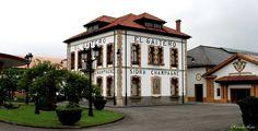 Villaviciosa Paraiso Natural, Industrial, Spain, Mansions, House Styles, Home Decor, Oviedo, Paisajes, Architecture
