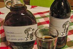 Bierlikör - sofort trinkfertig, ein beliebtes Rezept aus der Kategorie Likör. Bewertungen: 48. Durchschnitt: Ø 4,3. Alcoholic Drinks, Cocktails, Low Carb Diets, Madame, Whiskey Bottle, Red Wine, Food And Drink, Weight Loss, Homemade