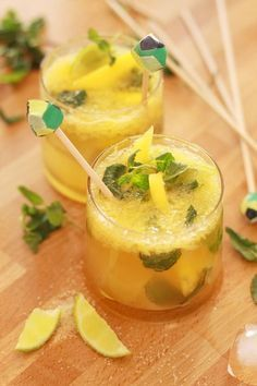 A somewhat revisited version of the cocktail star; I named the Mojito. Mango Mojito, Mojito Cocktail, Cocktail Garnish, Cocktail Recipes, Popular Cocktails, Summer Cocktails, Sangria, Mojito Recipe, Vegetable Drinks