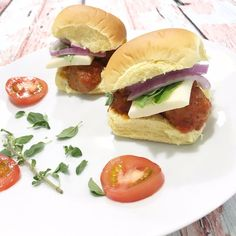 Check out my @CookedPerfect Italian Style Beef and Pork Fresh Meatball Sliders #ad