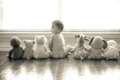 This is an adorable baby picture idea!