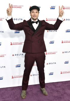 If you're looking for a backdrop for your next event, we offer a one-stop shop for high-quality step and repeat backdrops for your red carpet events. Gavin Degraw, Piano Player, Red Carpet Event, Red Carpets, Celebrity Red Carpet, Aerosmith, 30th Anniversary, Benefit, Backdrops