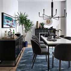 30 Nice Scandinavian Dining Room Decor Ideas - Now it is easy to dine in style with traditional Swedish dining chairs. Entertain friends as well as show off your wonderful Swedish home furniture. Black Dining Chairs, Black And White Dining Room, Modern Dining Room Chairs, White Dining Table Modern, Chairs For Dining Table, Large Dining Room Table, Office Chairs, Large Sideboard, Metal Sideboard