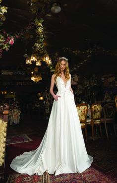 "Michal Medina 2018 ""Alice in Wonderland"" bridal collection | Tal"