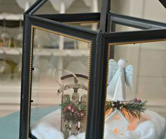 Make these trendy decorative lanterns by using photo frames from Dollar Tree to display candles inside or change up your decor seasonally! Dollar Tree Frames, Dollar Tree Decor, Dollar Tree Store, Dollar Stores, Large Candles, Pillar Candles, Dollar Tree Wedding, Diy Wedding On A Budget, Wedding Ideas