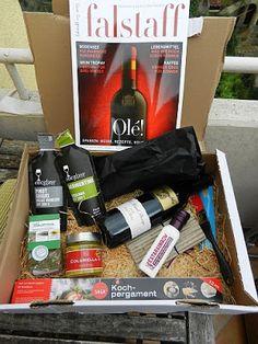 Kosmetik und co, alles was Frau so liebt :-): #Pink Box Hier seht Ihr die #Gourmetbox :-) Mehr gibt es unter yasa-cat.blogspot.de