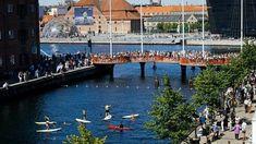 Puente hecho con plataformas circulares Cirkelbroen. Canal de Christianshavns. #Copenhague, Dinamarca #arquitectura