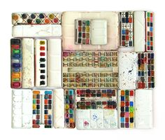 Inside view of vintage water color tins.  From one of my favorite sites.  #thingsorganizedneatly