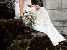 Vintage Braut, Hochzeit im Schloß Wallsee, Birgit Schulz Hochzeitsfotograf, www.birgitschulz.at One Shoulder Wedding Dress, Blog, Wedding Dresses, Fashion, Vintage Bridal, Dress Wedding, Bridal Dresses, Moda, Bridal Gowns