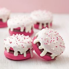 Wilton® whoopie pies make sweet additions to your Valentine's Day celebration.  Make them using ...