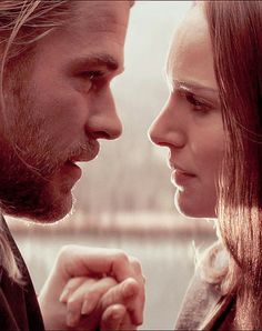 Thor and Jane !! I ship them so muuuuch ! ❤ perfect couple !. Chris hemsworth and Nathalie portman
