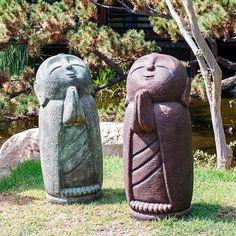 Praying Buddha Garden Statue- 40