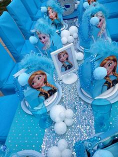 Disney Frozen Birthday Party Ideas for when she turns 3 Frozen Themed Birthday Party, Disney Frozen Birthday, 4th Birthday Parties, Frozen Disney, Frozen Birthday Centerpieces, Frozen Table Decorations, 3rd Birthday, Birthday Ideas, Birthday Pinata