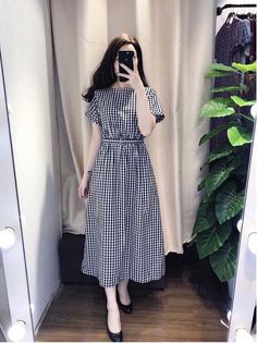 Swans Style is the top online fashion store for women. Shop sexy club dresses, jeans, shoes, bodysuits, skirts and more. Modest Dresses, Modest Outfits, Stylish Dresses, Skirt Outfits, Simple Dresses, Cute Dresses, Vintage Dresses, Casual Dresses, Frock Fashion