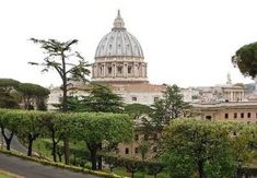 Život Cirkvi vo svete 8/2021 Statues, Paris Skyline, Taj Mahal, Islam, Building, Travel, Bible, Viajes, Buildings