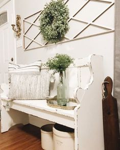 DIY Farmhouse entryw