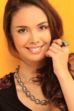 Filipinas-Beauty: Miss World Filipina Beauty 2013 Megan Young Most Beautiful Women, Simply Beautiful, Miss World 2013, Megan Young, Divas, Filipina Beauty, Filipino Tattoos, Lovely Eyes, Le Jolie