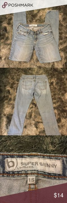 Bullhead super skinny light wash jeans Bullhead super skinny light wash jeans. Size 1. Bullhead Jeans Skinny