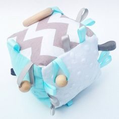 Crinkle sound rattle bell baby blue grey Gray par KawaiiDezigns