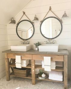 14 idées de meubles rustiques pour une salle de bain cozy Using natural and rustic elements in the bathroom…Bathroom Furniture – Industrial Great Design Ideas To Add Rustic Style To Your… 14 Rustic Furniture Ideas for a Cozy Bathroom Cozy Bathroom, Rustic Bathroom Vanities, Modern Farmhouse Bathroom, Rustic Bathrooms, Bathroom Renos, Bathroom Ideas, Bathroom Makeovers, Rustic Vanity, Wood Vanity