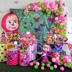 Casinha de Bonecas com um lindo Jardim🌷⠀ . Birthday Party Themes, 2nd Birthday, Masha And The Bear, Bear Party, Holidays And Events, Holiday Parties, Decoration, Alice, Birthdays